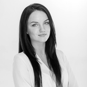 Photograph of 3D visualization projects manager Katerina Suprun in United Arab Emirates and Dubai
